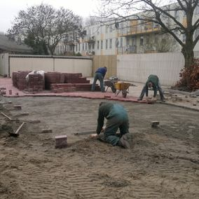 Grote tuin bestrating